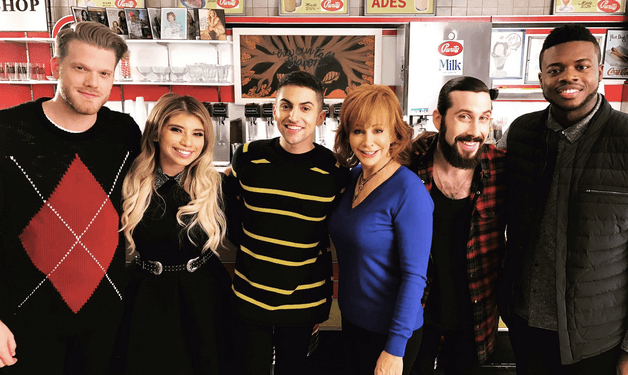 Read more about the article Gab Countdown to Christmas: Pentatonix with Reba