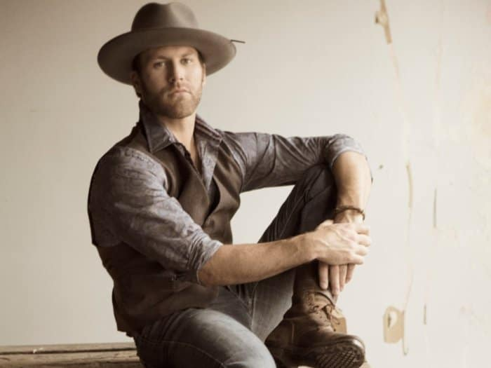 Read more about the article Drake White Performs at 35,000 Aboard Southwest Flight