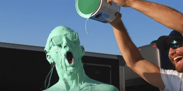 """Jake Owen Releases Hilarious Video to Show Love for """"Seafoam Green"""""""