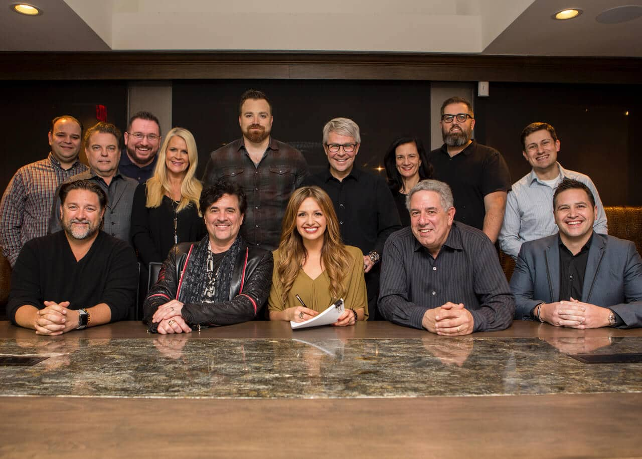 Carly Pearce Signs with Big Machine Label Group