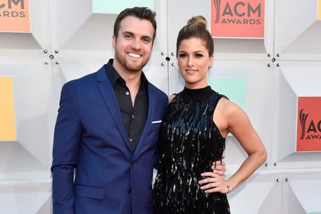 Read more about the article Cassadee Pope Gets Engaged to Long-Time Boyfriend Rian Dawson