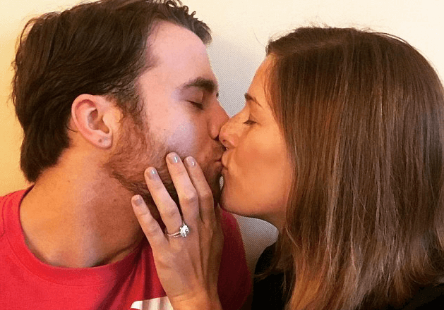 Cassadee Pope Doesn't Need Wedding Bells – She Has Chris Young's Voice!