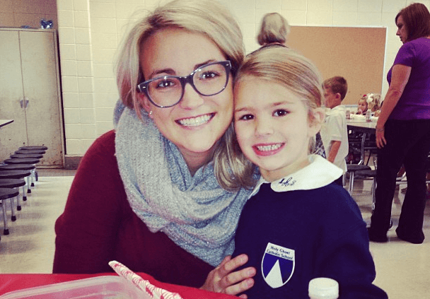 """Read more about the article Update: Jamie Lynn Spears' Daughter Maddie """"Awake and Talking"""""""