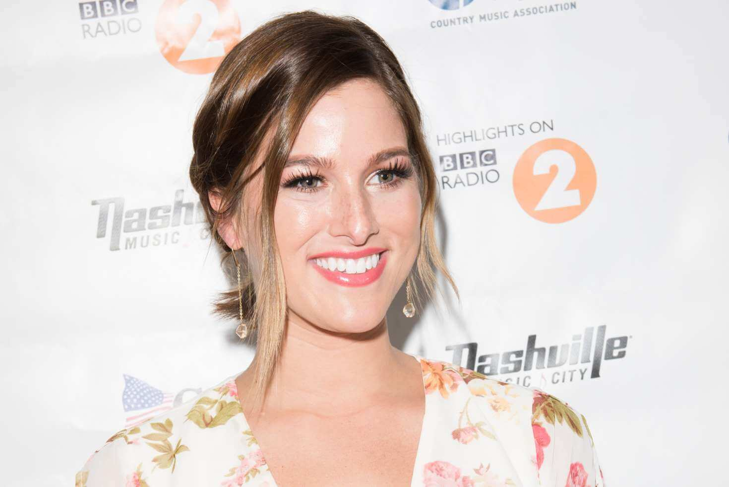 """Read more about the article Cassadee Pope Performs """"Me, Myself & Wine"""" at London's C2C (Watch!)"""