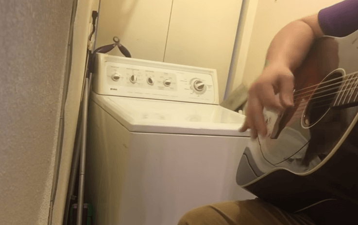 It's Monday so let's start things out with a washing machine playing 'Devil Went Down to Georgia'