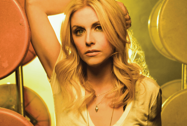 'Am I the Only One' Who Is Envious of Lindsay Ell's Birthday Serenade?