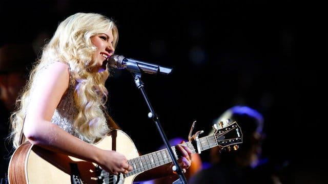 """Read more about the article Brennley Brown Gets Sassy In """"The Voice"""" Semi-Finals"""