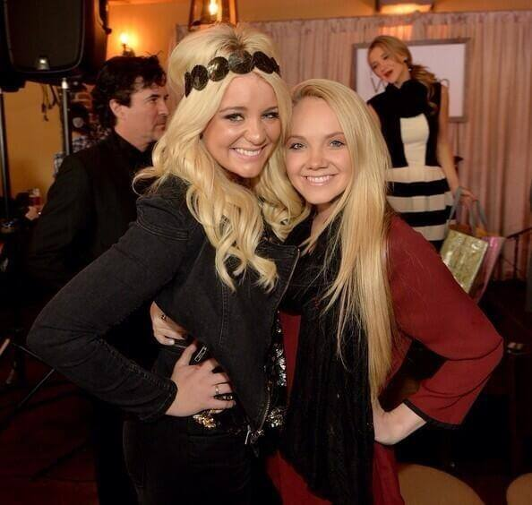 Lauren Alaina and Danielle Bradbery are Friendship Goals at CMAFest
