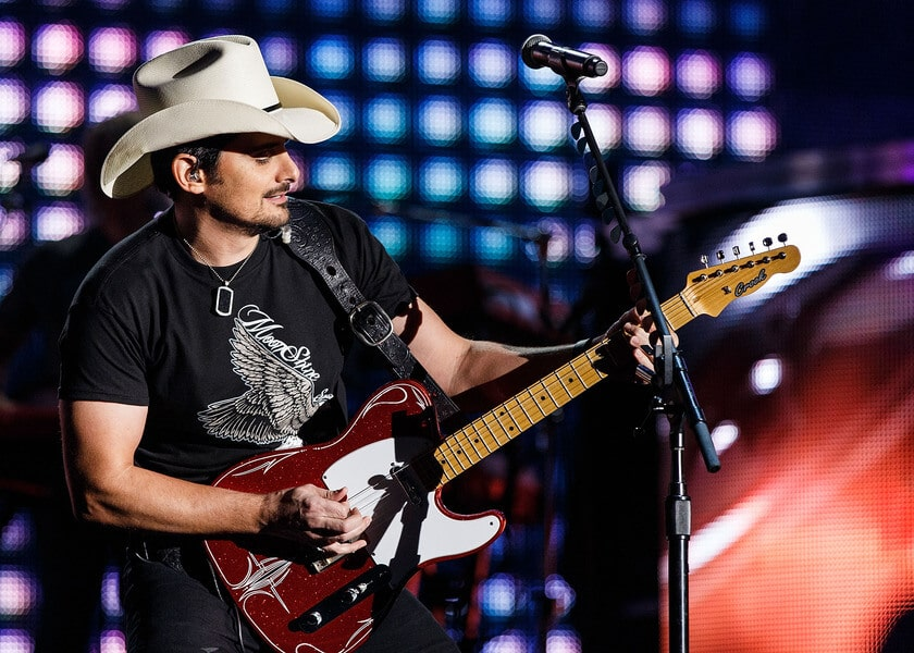 Read more about the article Concert Review: Brad Paisley Makes a Splash at Long Island's Jones Beach