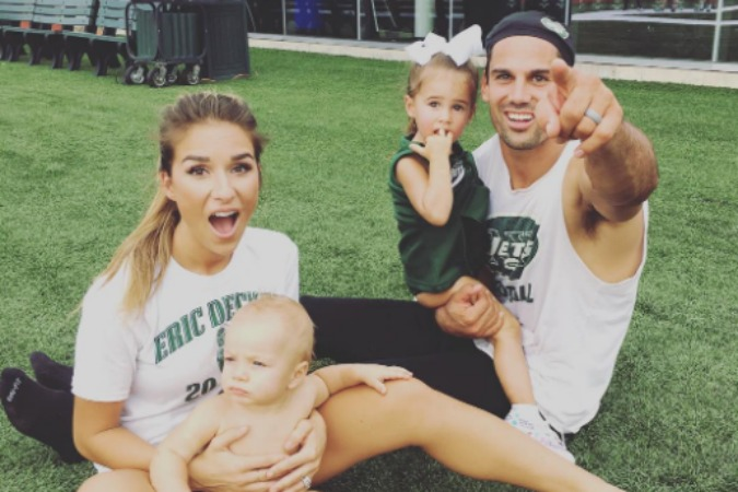 Read more about the article Jessie James Decker Reveals Gender of Third Baby