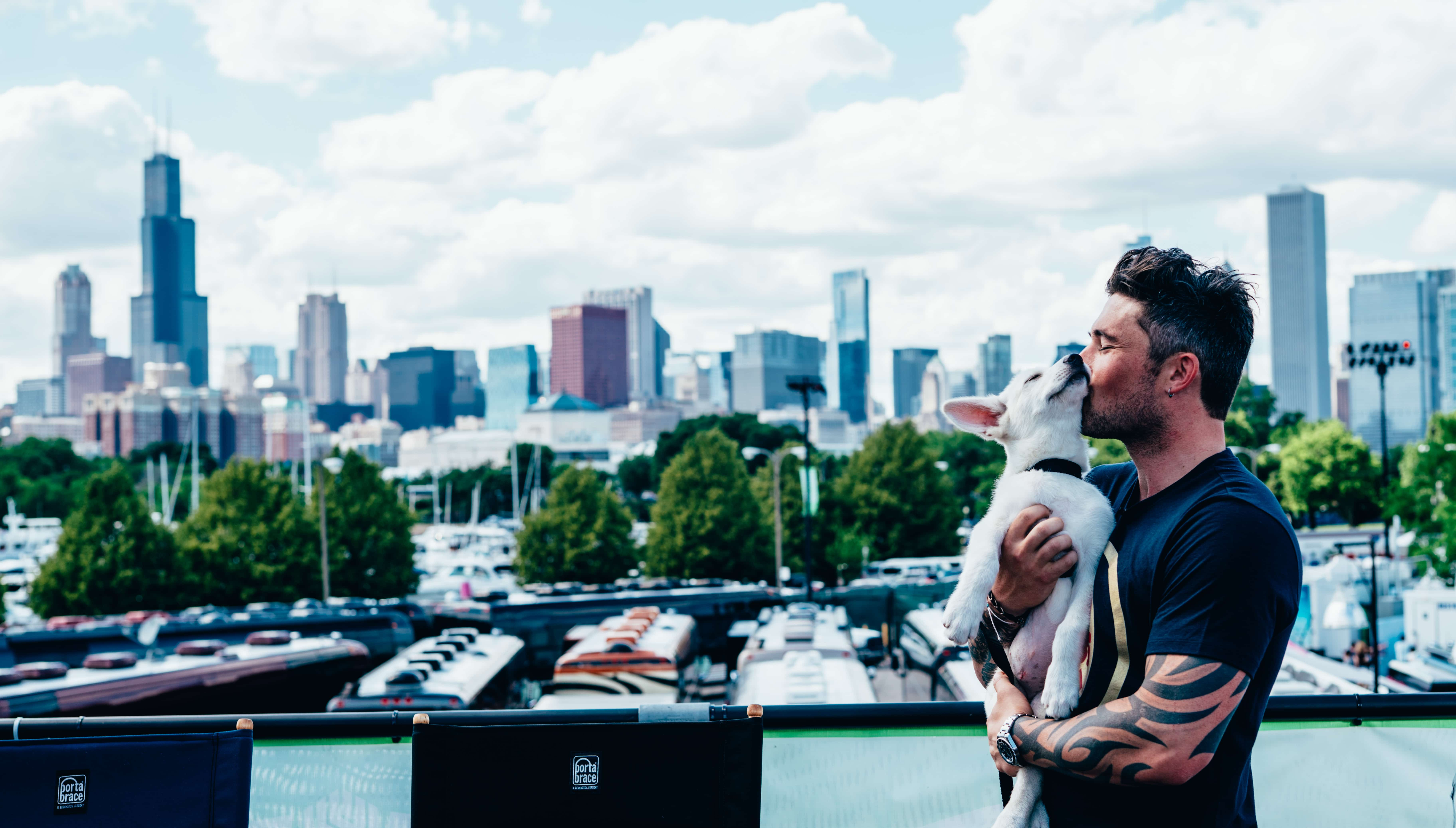 Michael Ray uses his tour to provide over 100,000 meals to animals in need
