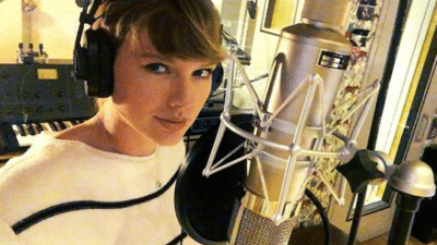 Taylor Swift in the recording studio