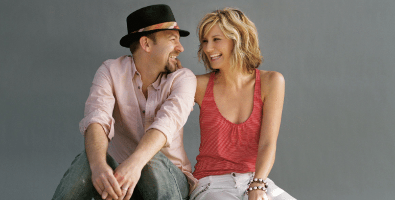 "Gab's 12 Days of Christmas: Sugarland ""Gold and Green"""
