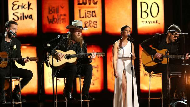 Read more about the article Maren Morris, Eric Church, & Brothers Osborne Honor Fallen Country Fans at Grammys