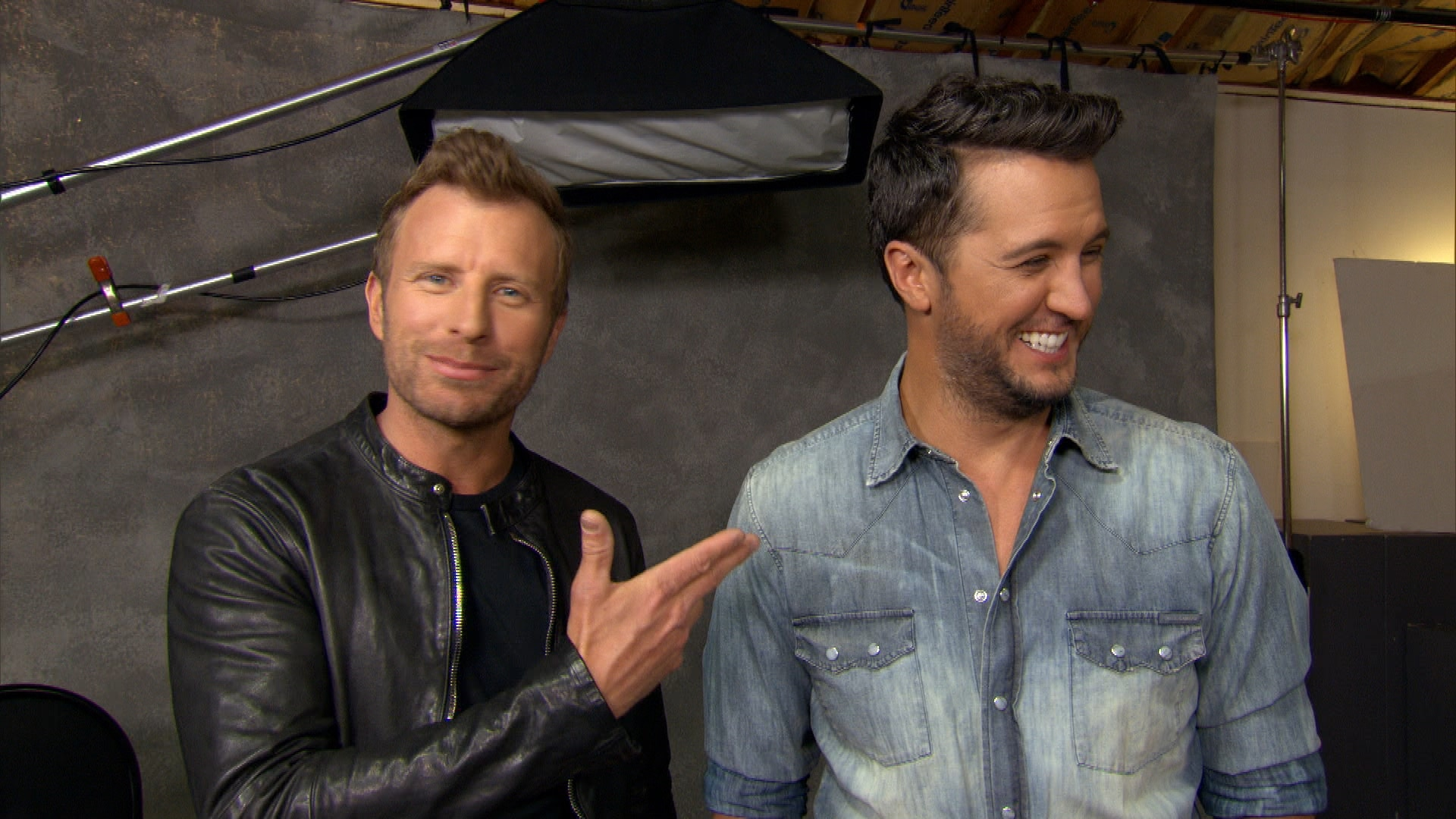Read more about the article Dierks Bentley got a ticket for not having a fishing license over the weekend