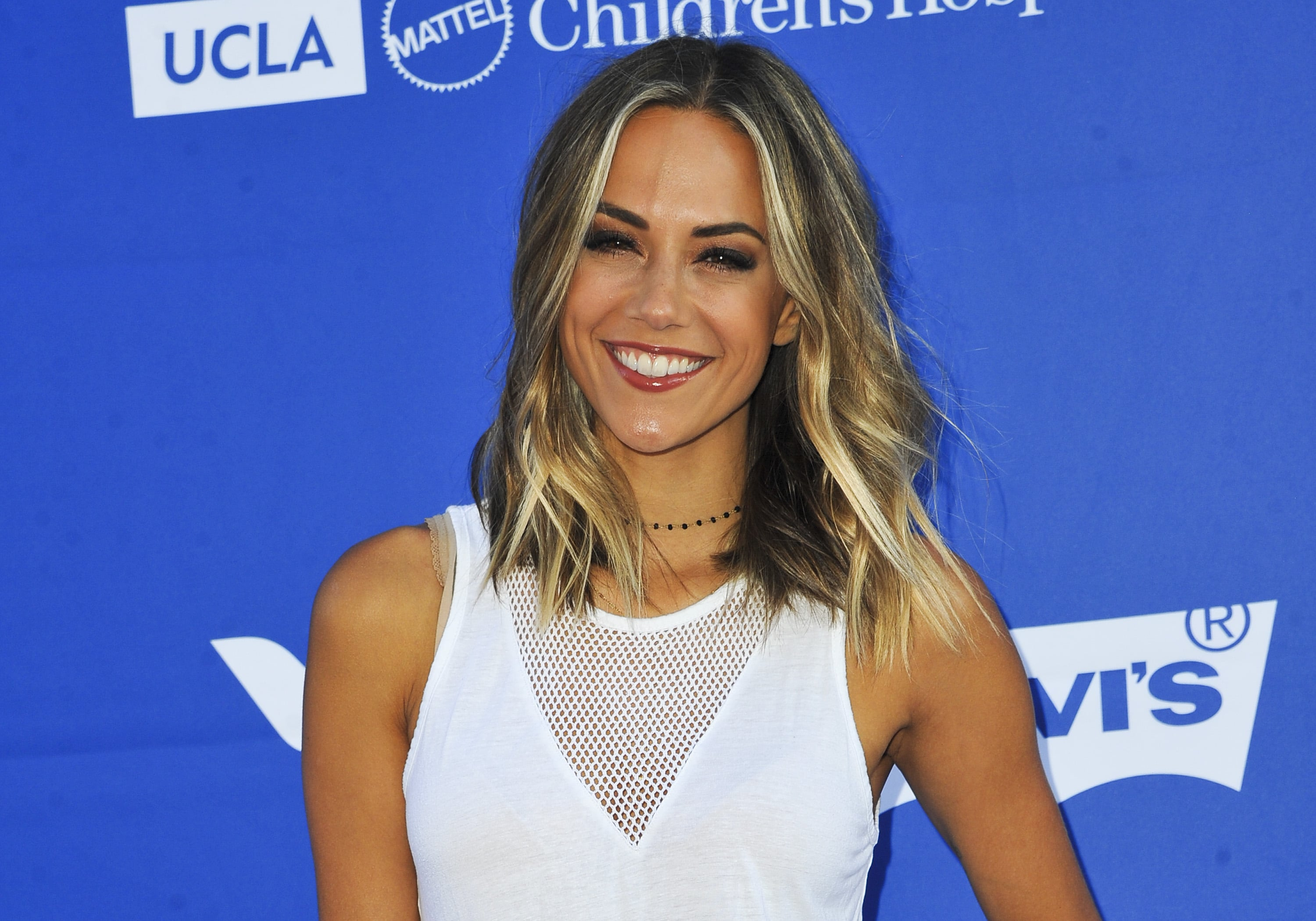 Jana Kramer Announces Pregnancy in Social Media Ad