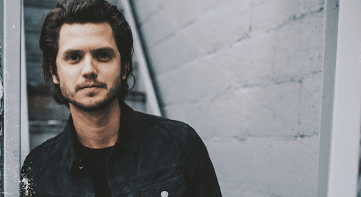 Read more about the article Interview: Gabbing with Steve Moakler