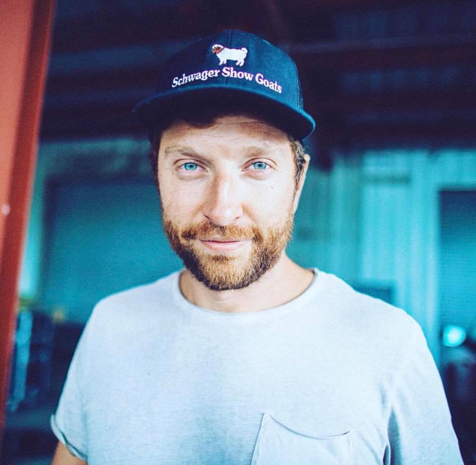 The real story behind the Brett Eldredge goat hat is even more amazing than I knew