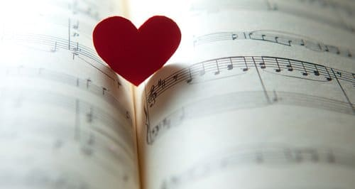 Read more about the article Top 7 Romantic Country Songs to Listen to on Your First Date