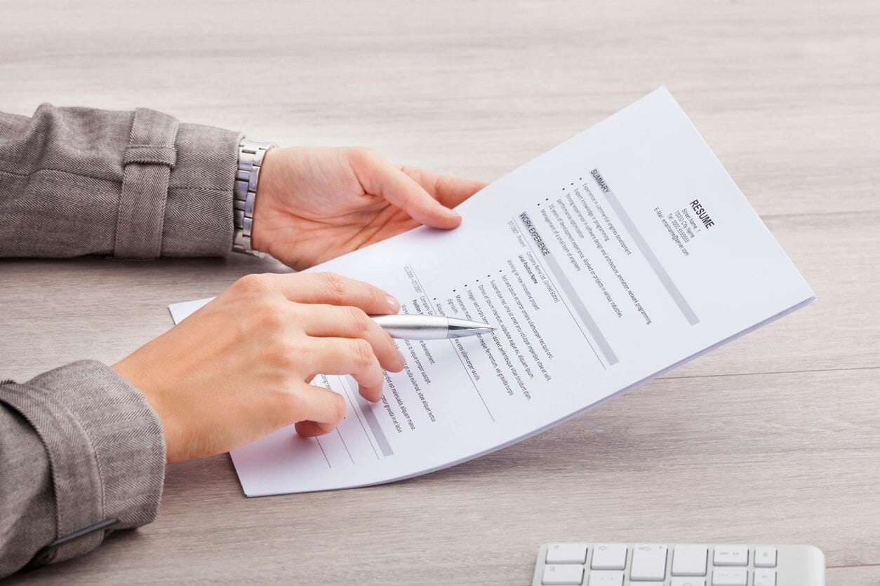 Read more about the article Improve your resume with software training to land a better job