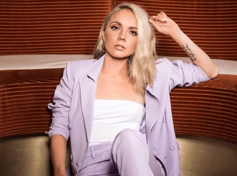 Read more about the article Danielle Bradbery misses Chicago show after car accident