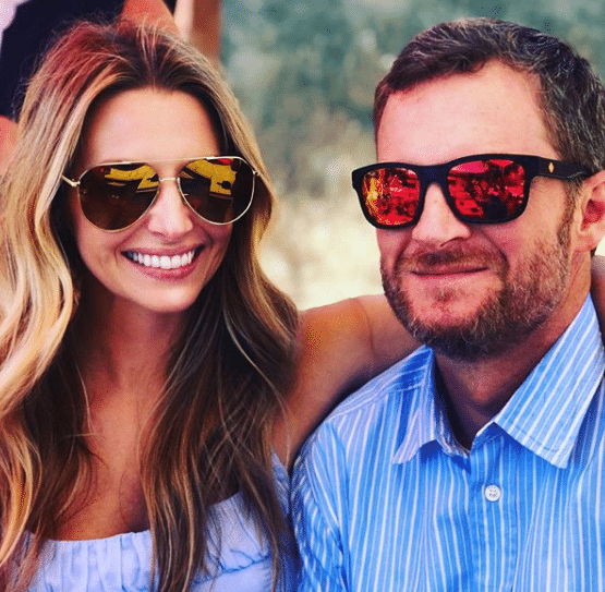Read more about the article Plane carrying Dale Earnhardt Jr. and family crashes in Tennessee