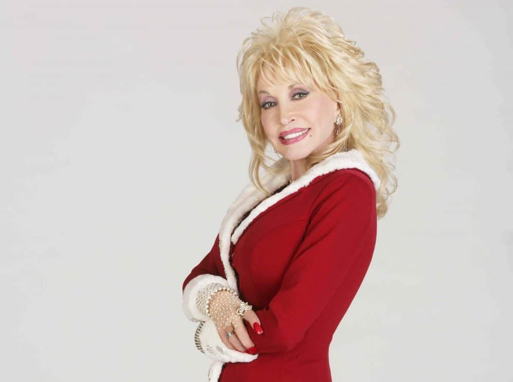 Read more about the article Surprise! Dolly Parton has two Christmas movies coming this year