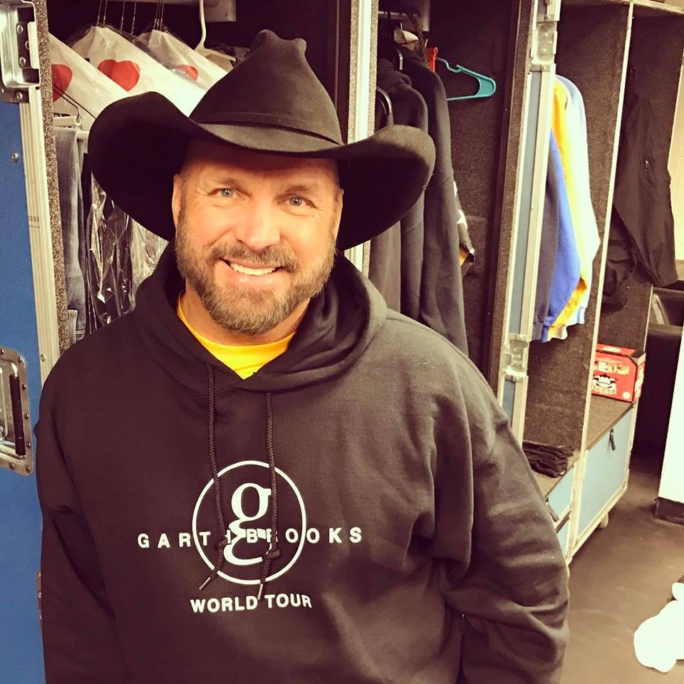 Garth Brooks adds Knoxville, Tennessee to his stadium tour