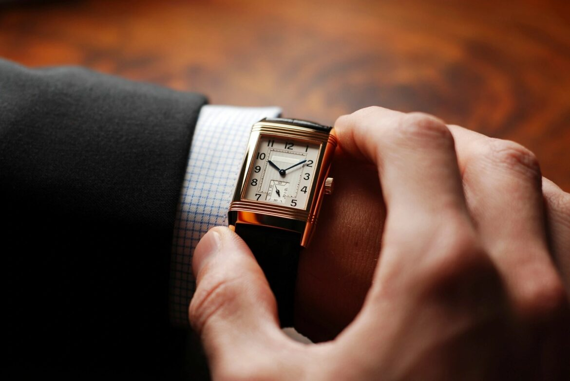 Read more about the article Why think so crucial to shopping watches?