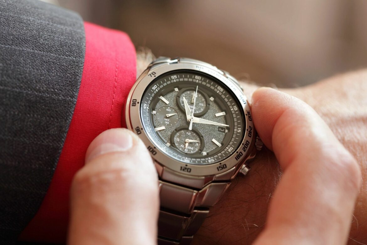 Read more about the article How to check originality and quality of watches