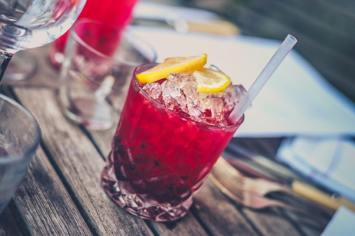 Learn to make easy Summer Cocktails Recipes