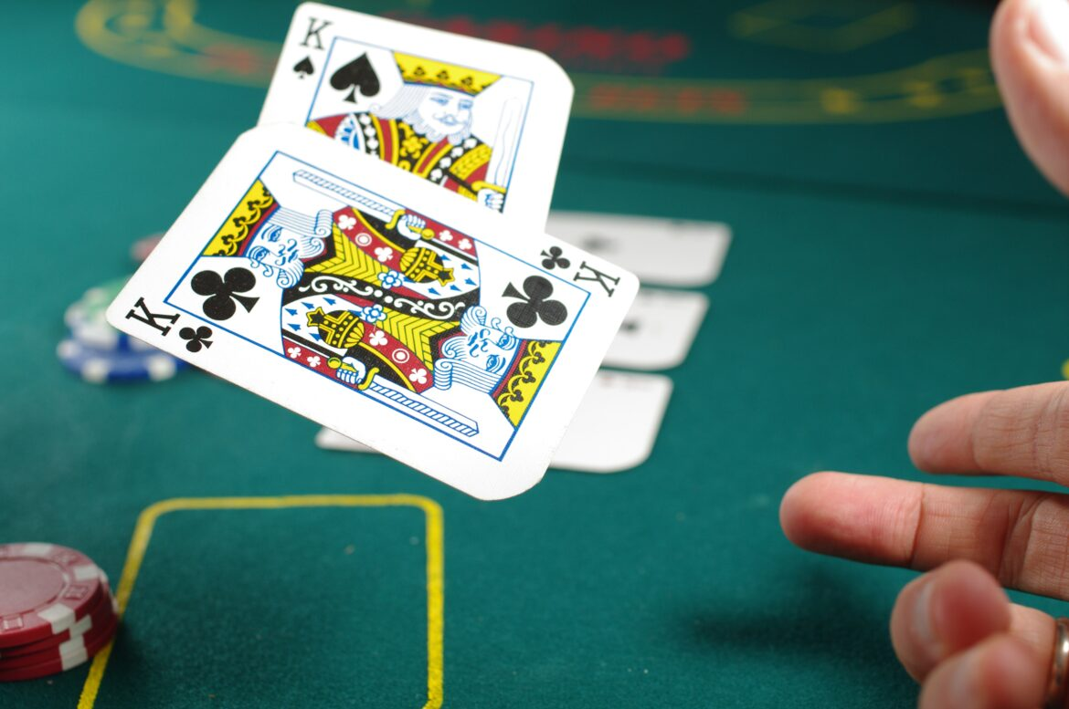 Read more about the article Online vs. Offline Poker, What is better?