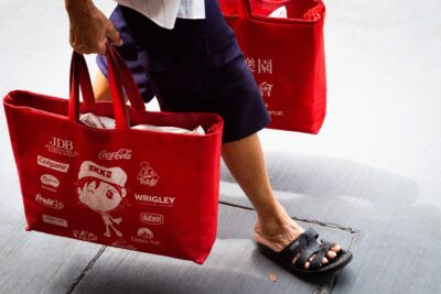 4 Eco-Friendly Holiday Shopping Tips