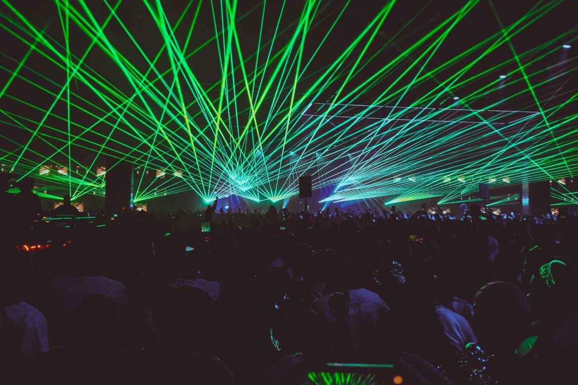 Read more about the article A Rave and a Music Festival: Are They the Same?
