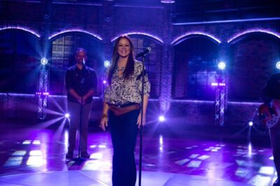 Sara Evans goes virtual