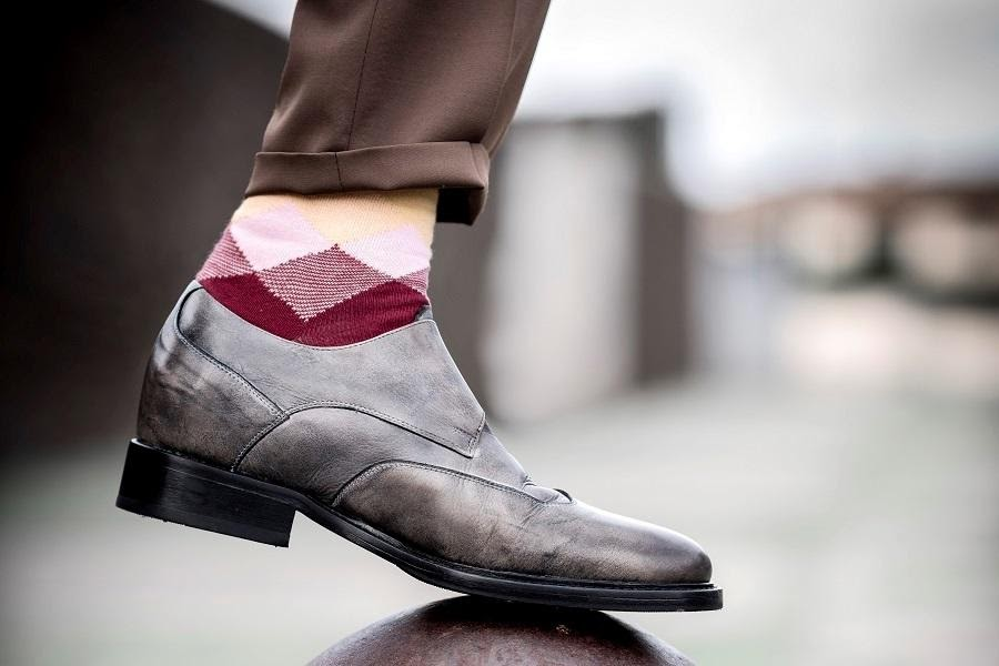 Improve your fashion with Elevator Shoes