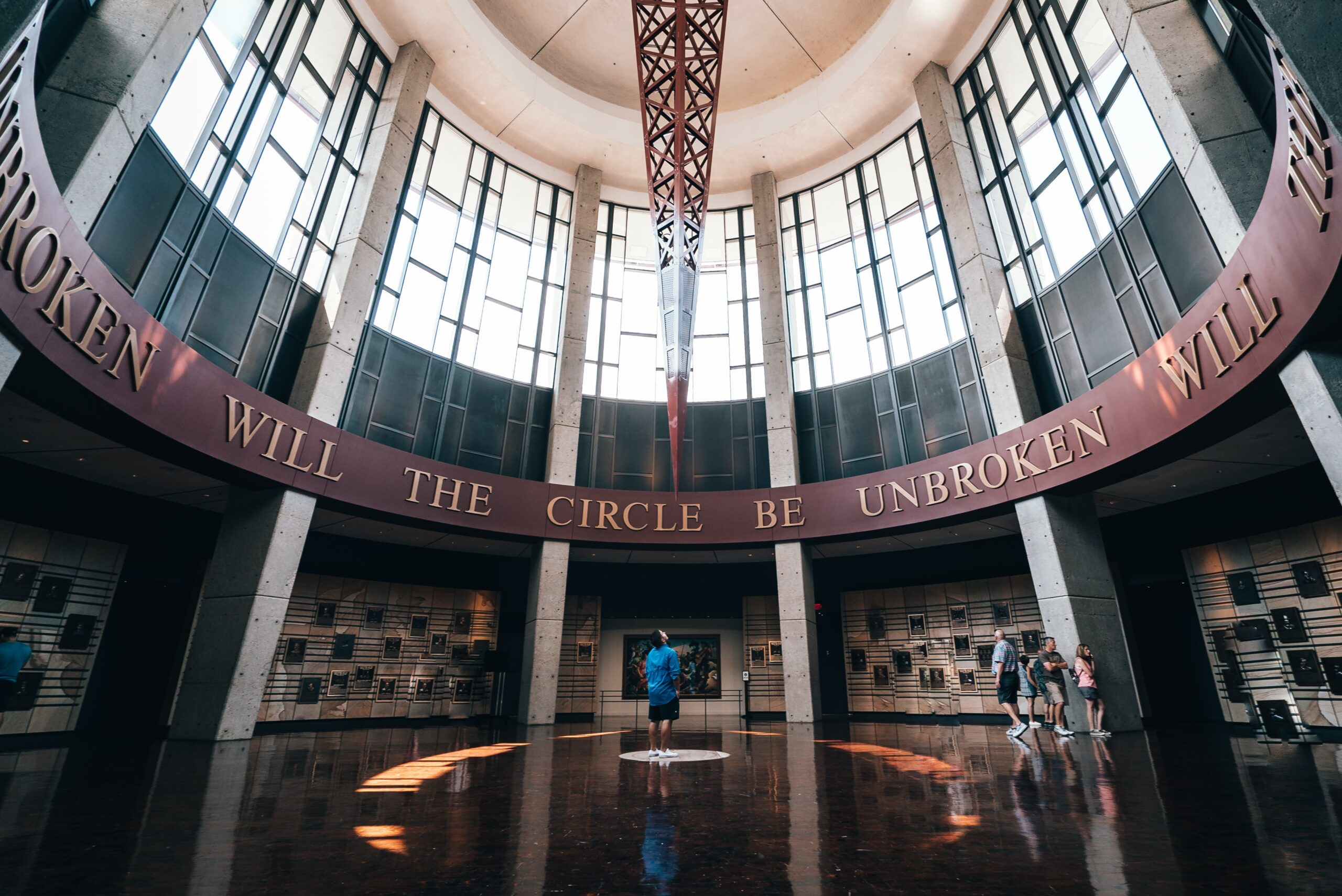 4 Amazing Country Music Hall of Fame Backstories