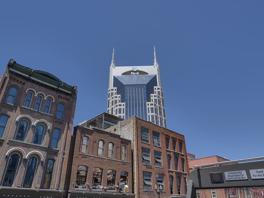 How to move to Nashville without any trouble?