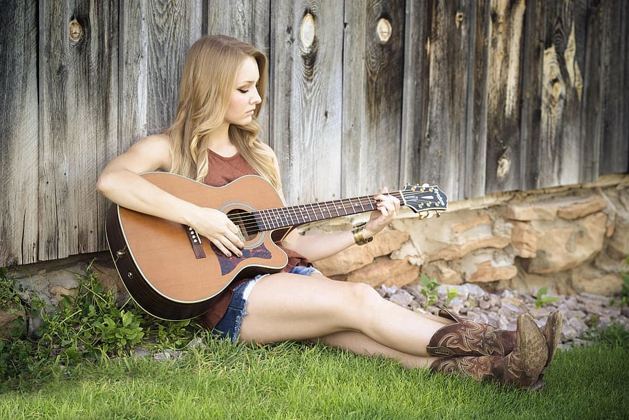 Read more about the article A brief history of country music's evolution
