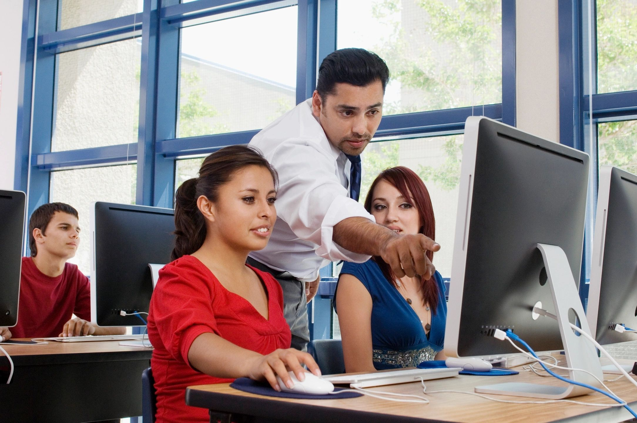 Training for Success: A Step-By-Step Guide for Crafting Effective Online Courses for Employee Training