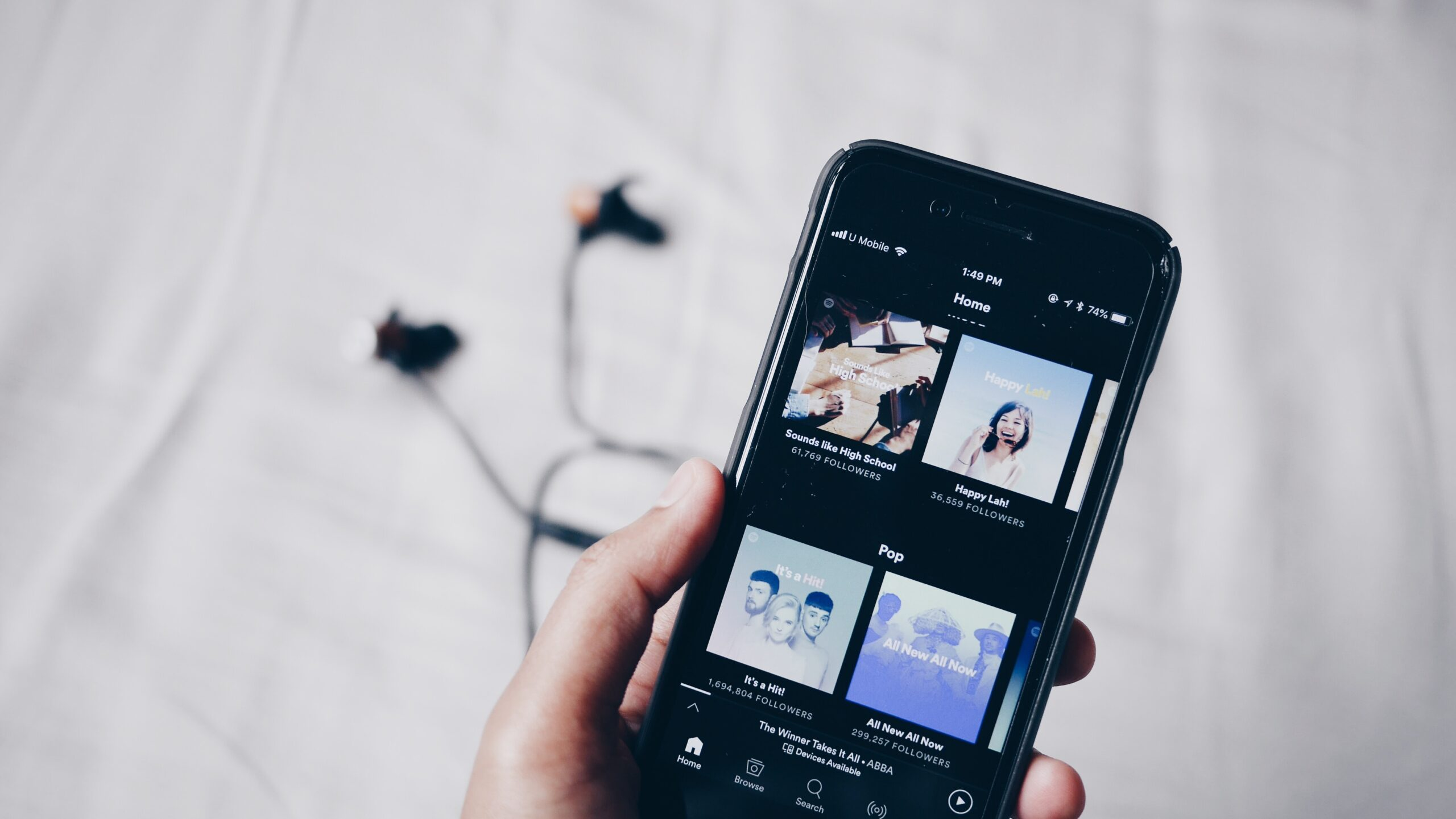 Tips for growing your Spotify playlist as a country artist