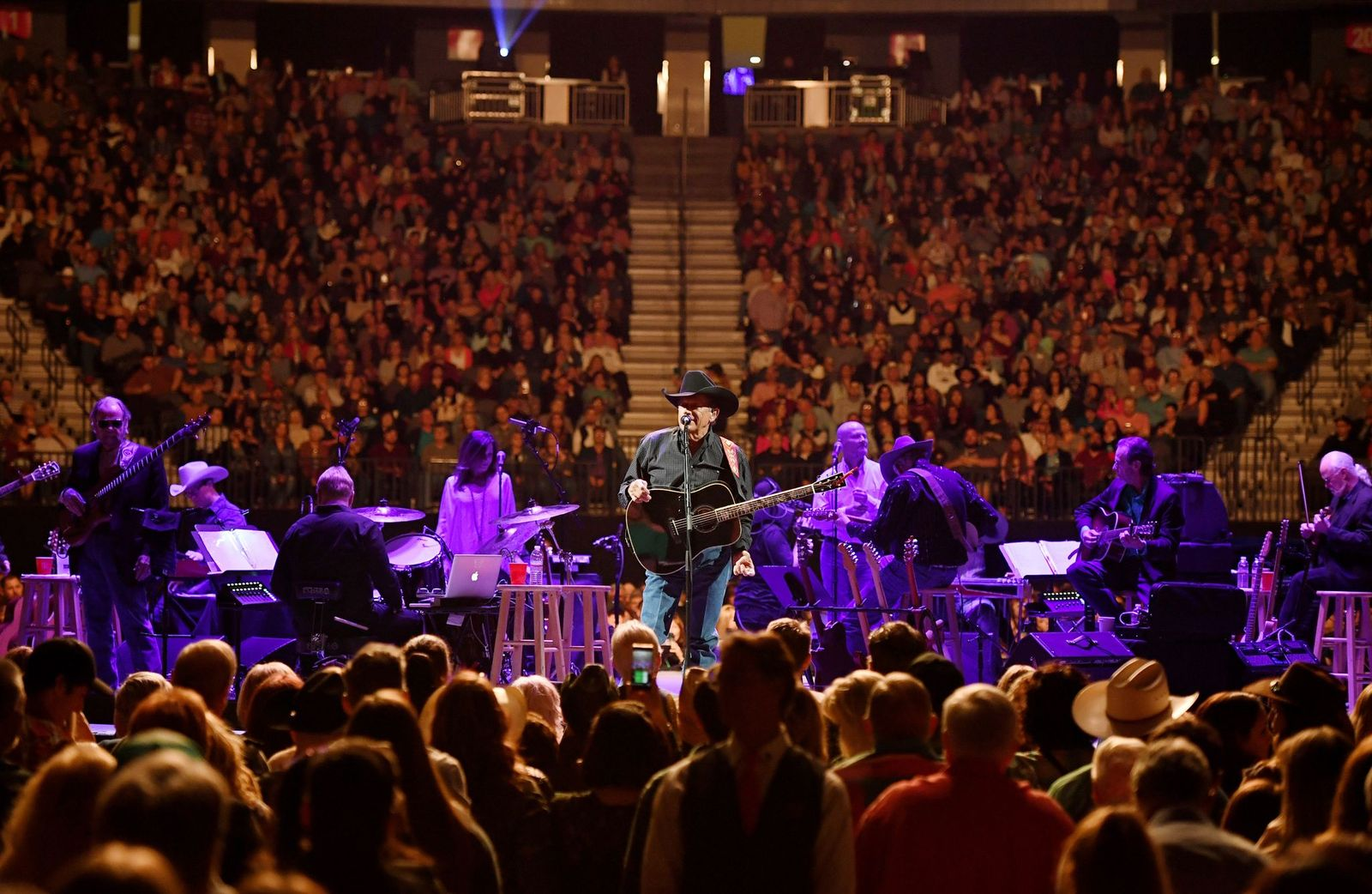 Read more about the article George Strait is returning to Vegas