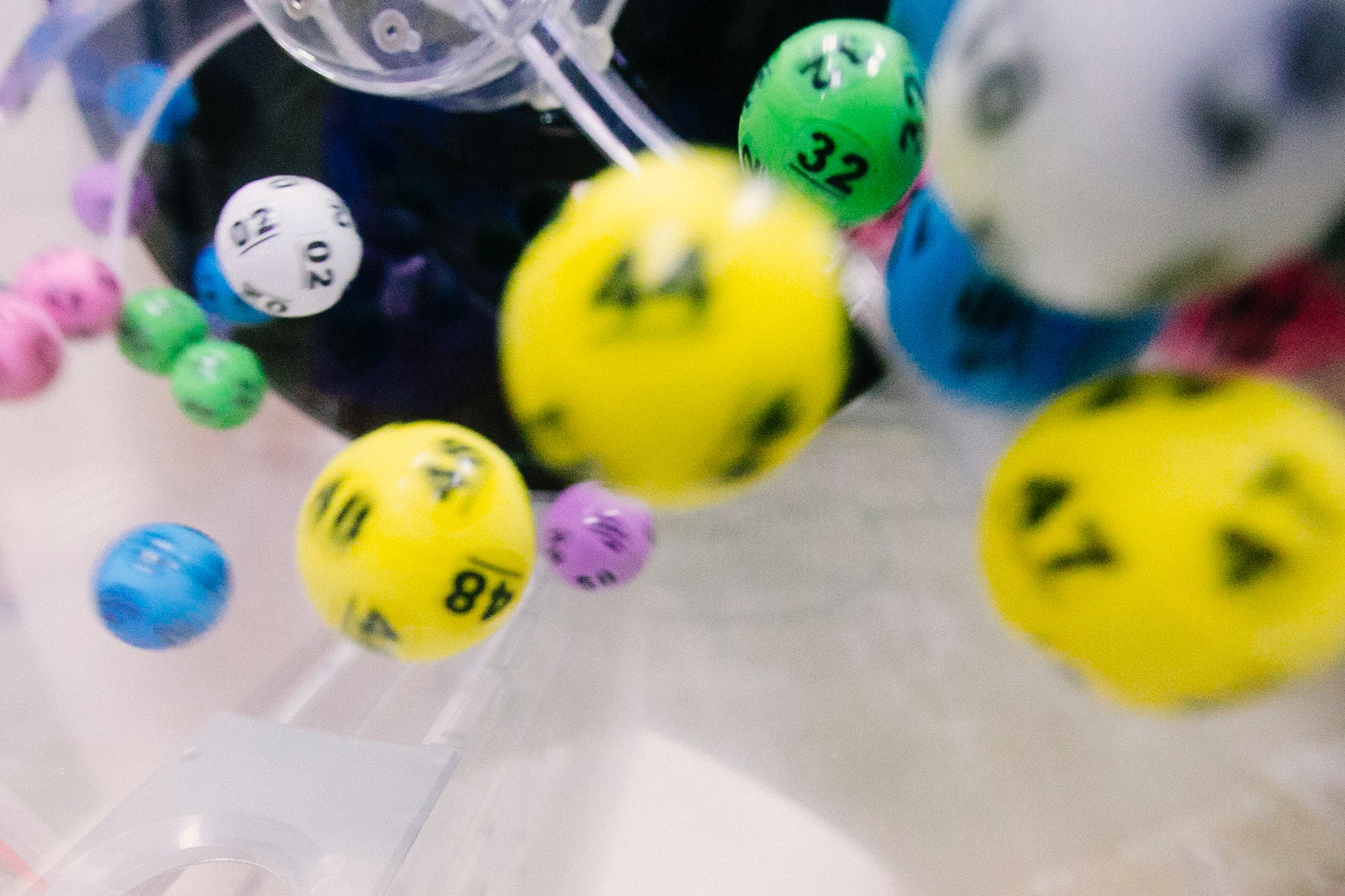 Read more about the article 7 Advantages of Playing the Lottery Online