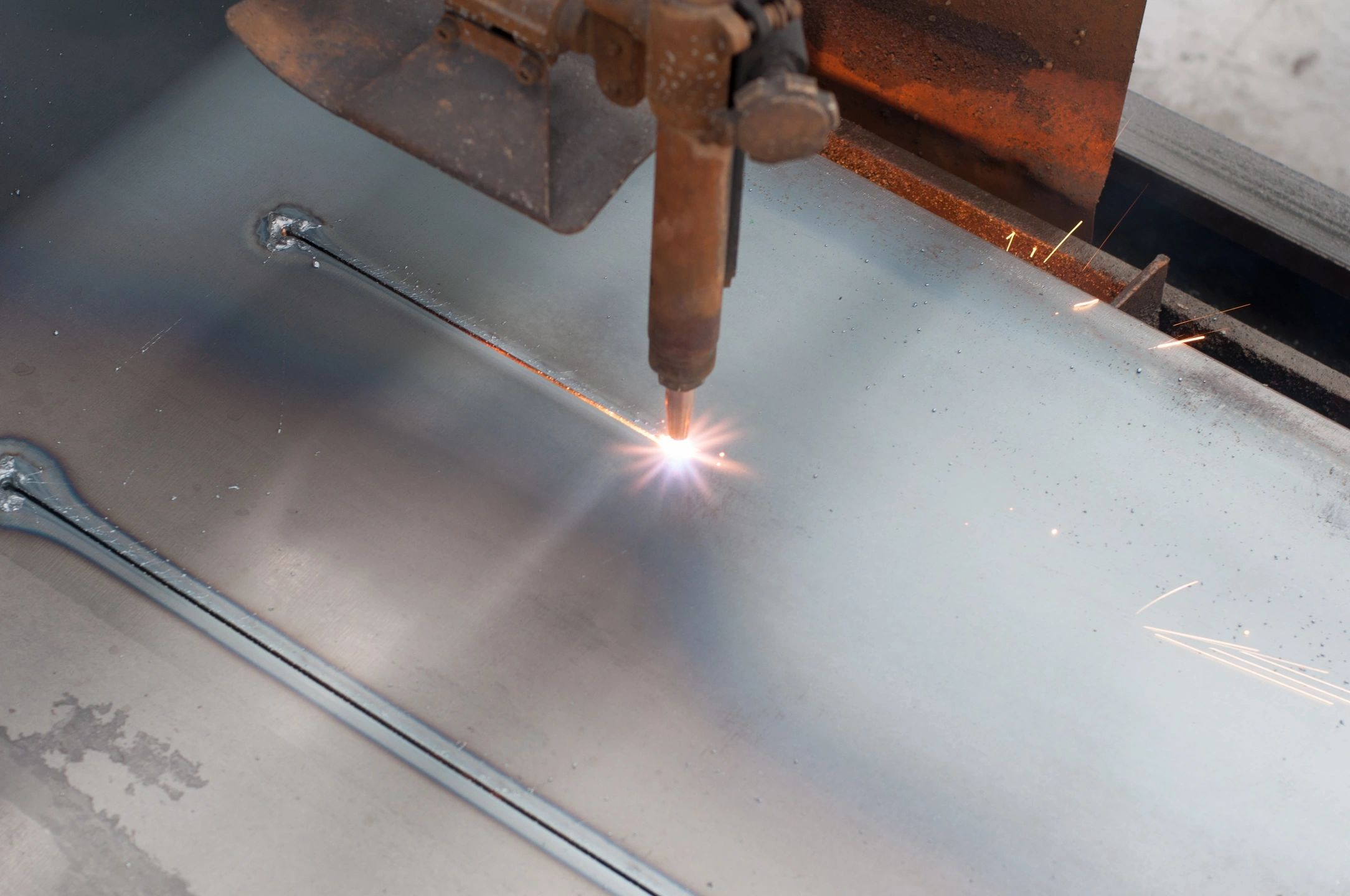 Read more about the article Laser Cutting technique for metals along with applications