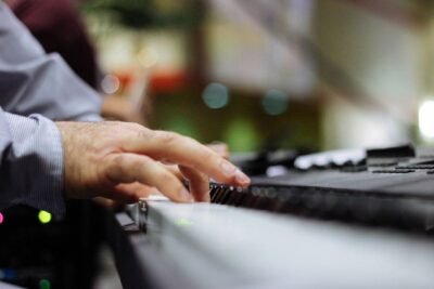 How Learning The Piano Can Benefit You Despite Your Age