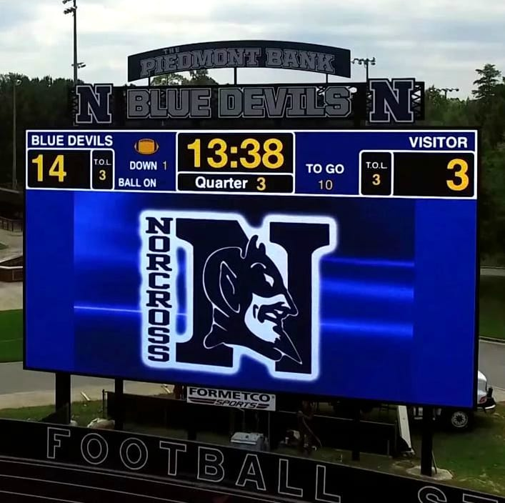 "Delivers live action to fans with the ""Largest LED Scoreboard in the US""."