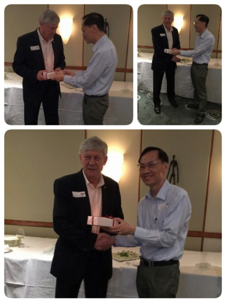 Mr. Sammy Ho on behalf of the Hong Kong Chapter was giving a souvenir to Dr. Dodds.
