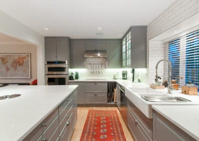 Grey Cupboards – White Counter