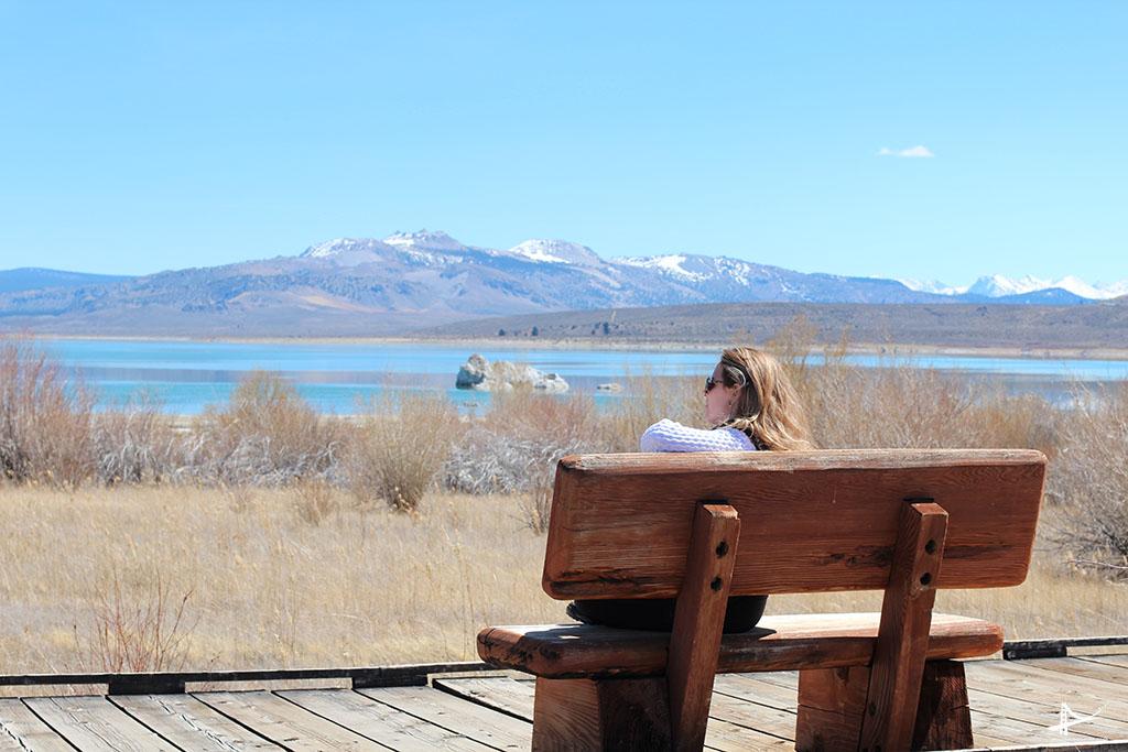 Eu apreciando o Mono Lake