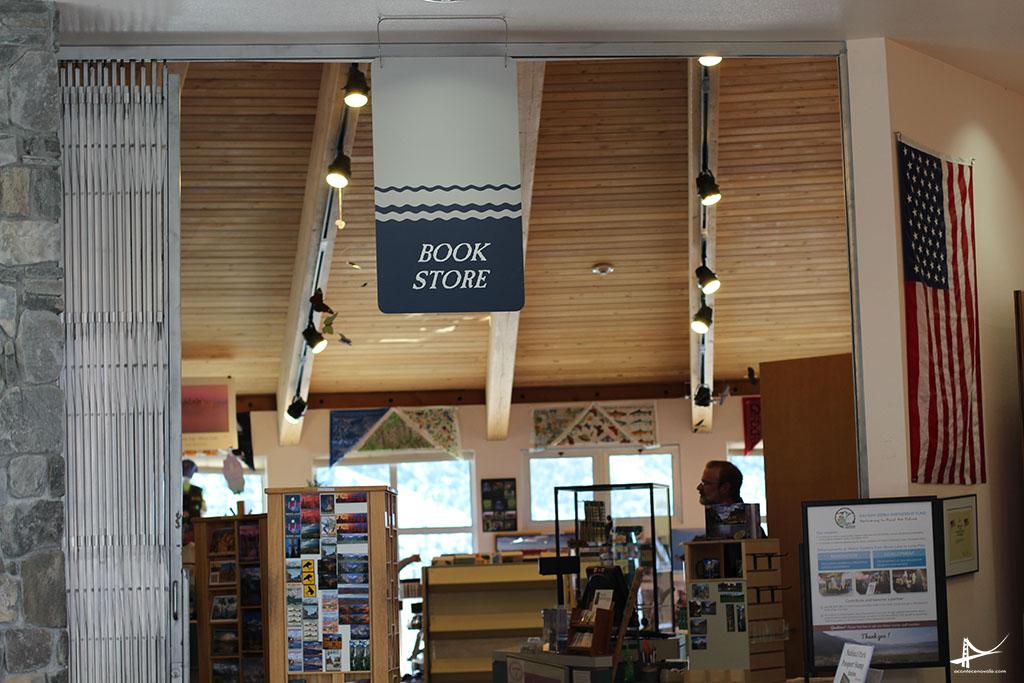 Loja no Mono Lake visitor Center